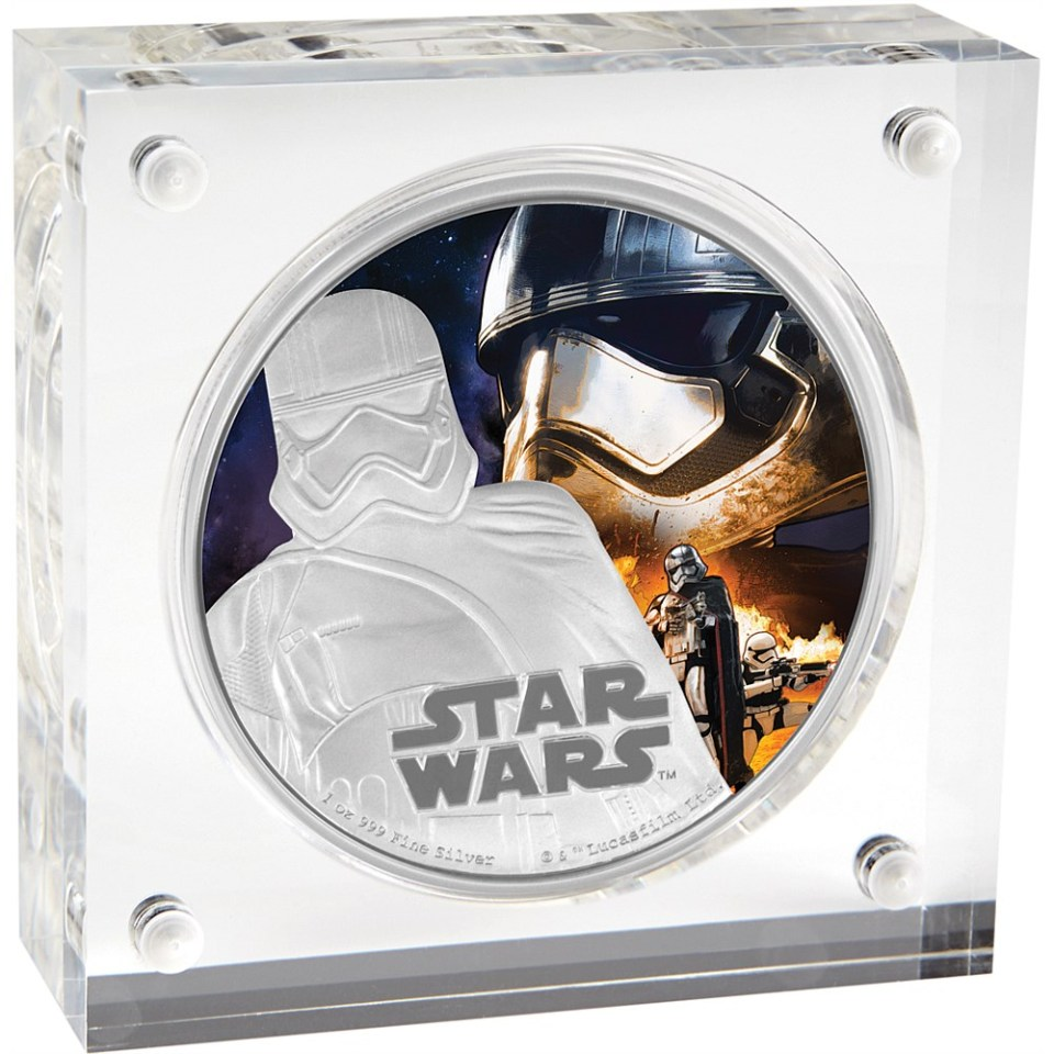 Star Wars: The Force Awakens 2016 Captain Phasma Silver Coin In Display Box