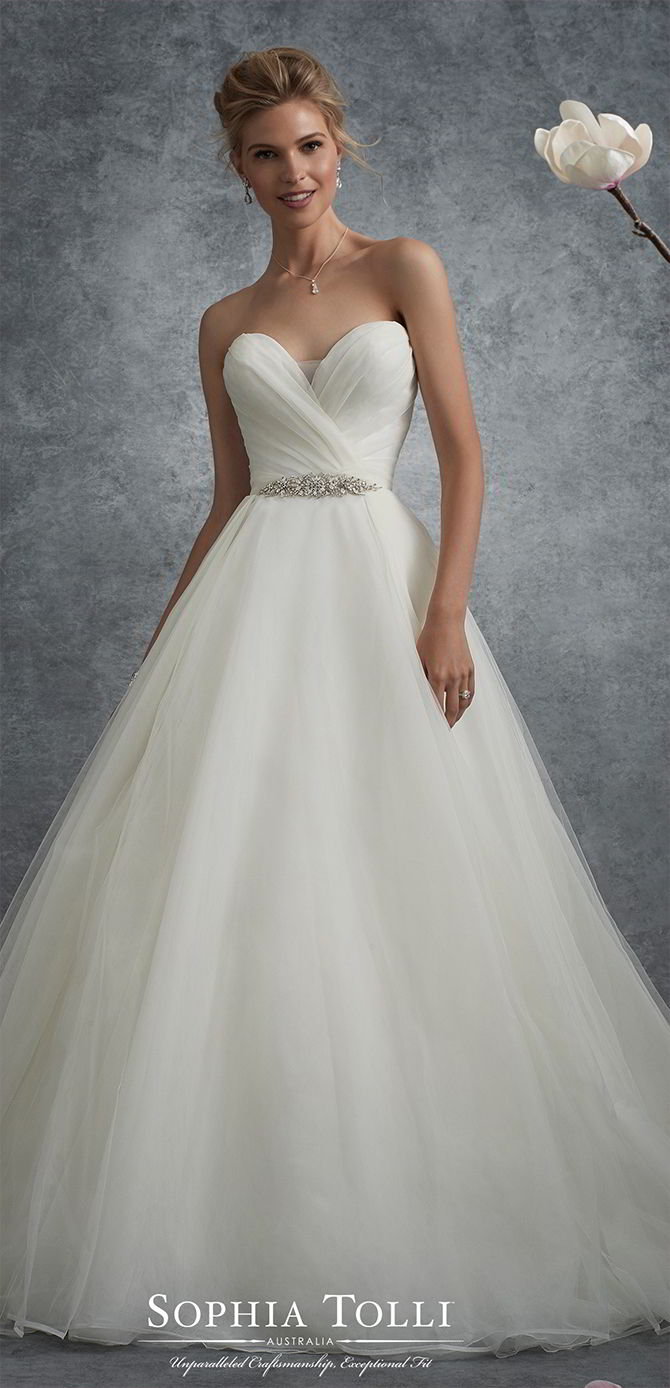 Sweetheart Neckline Wedding And Flare Tulle Line Lace Soft And Fit Embellished Dress