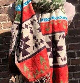 Tibet shawl in twee mooie kleuren combinaties