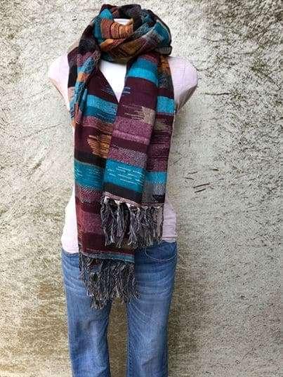 Tibetaanse sjaal, in felle kleuren