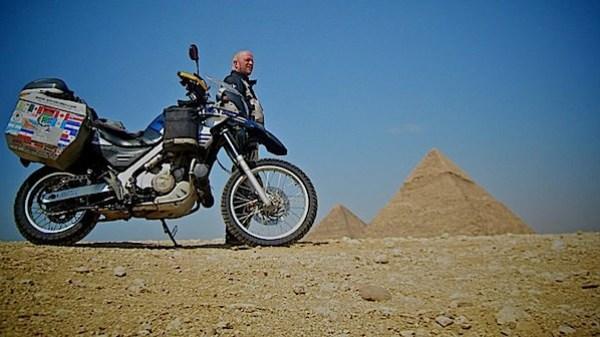 worldrider_allan_karl_egypt_pyramids.jpg