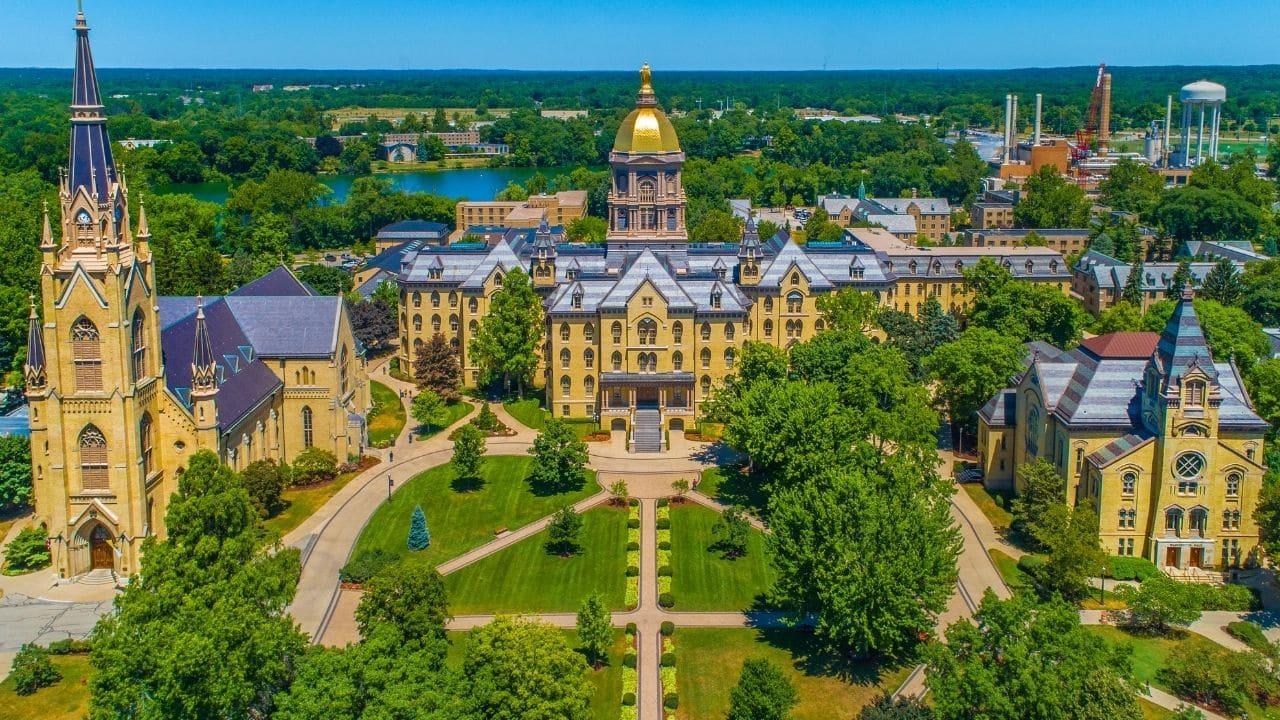 Étudier à l'Université de Notre Dame: admission, cours, frais de scolarité,  classement
