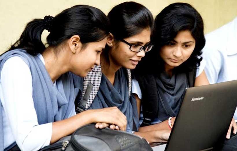 55 + Becas para estudiantes universitarios para estudiantes indios 2020-2021