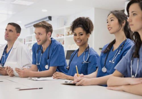 Las mejores y acreditadas escuelas de medicina del Caribe | Clasificación, tasa de aceptación, matrícula.