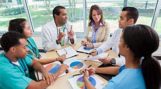 10 وظائف محتملة مع شهادة الإدارة الصحية في 2020