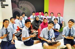 MoE-Uplift-Scholarship