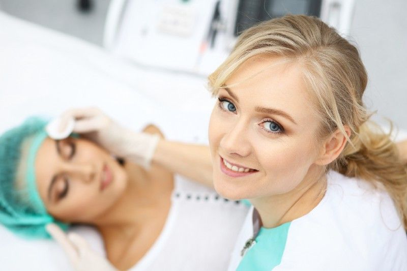 15 Skin Care Specialist Schools in the World