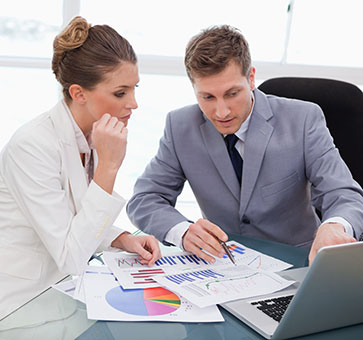 How Can I Become a Financial Advisor in Less Time? Cost, Schools, Salary