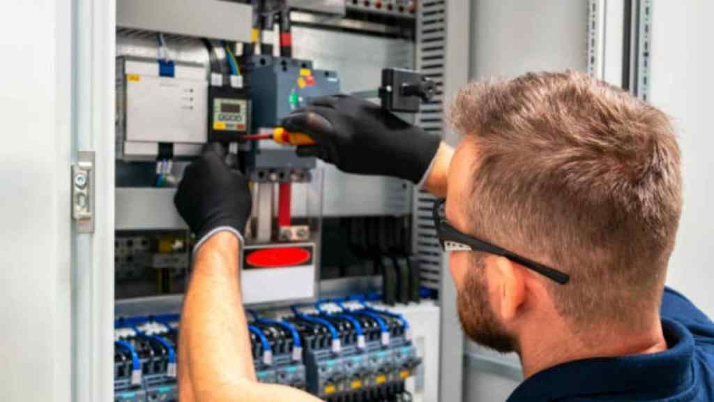 15 Highest Paying Electrical Engineering Entry Level Jobs in 2020
