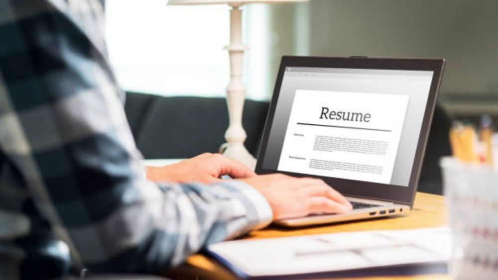 How to Write an Irresistible Physician Assistant Resume 2020 | Samples