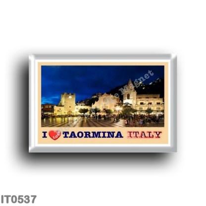 IT0537 Europe - Italy - Sicily - Taormina - I Love