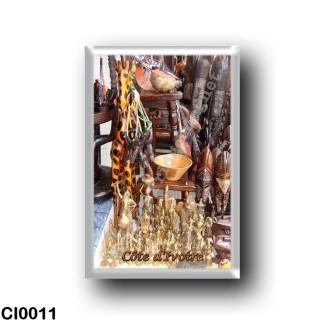 CI0011 Africa - Ivory Coast - Souvenir en exposition dans le commerce