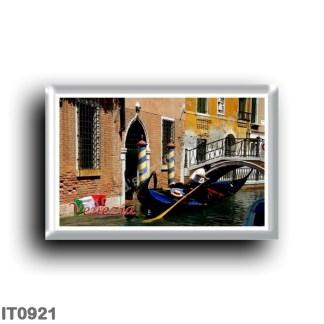 IT0921 Europe - Italy - Venice - Gondola