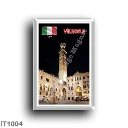 IT1004 Europe - Italy - Veneto - Verona - Piazza dei Signori