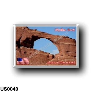US0040 America - United States - National Park - Arches - Skyline Arch