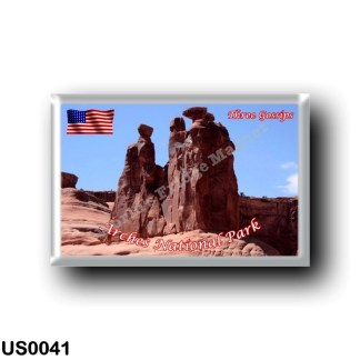 US0041 America - United States - National Park - Arches - Three Gossips