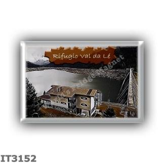IT3152 Europe - Italy - Dolomites - Group Odle-Puez - alpine hut Val da Lé - locality Col di Lé - Prati della Turnarecia - seats