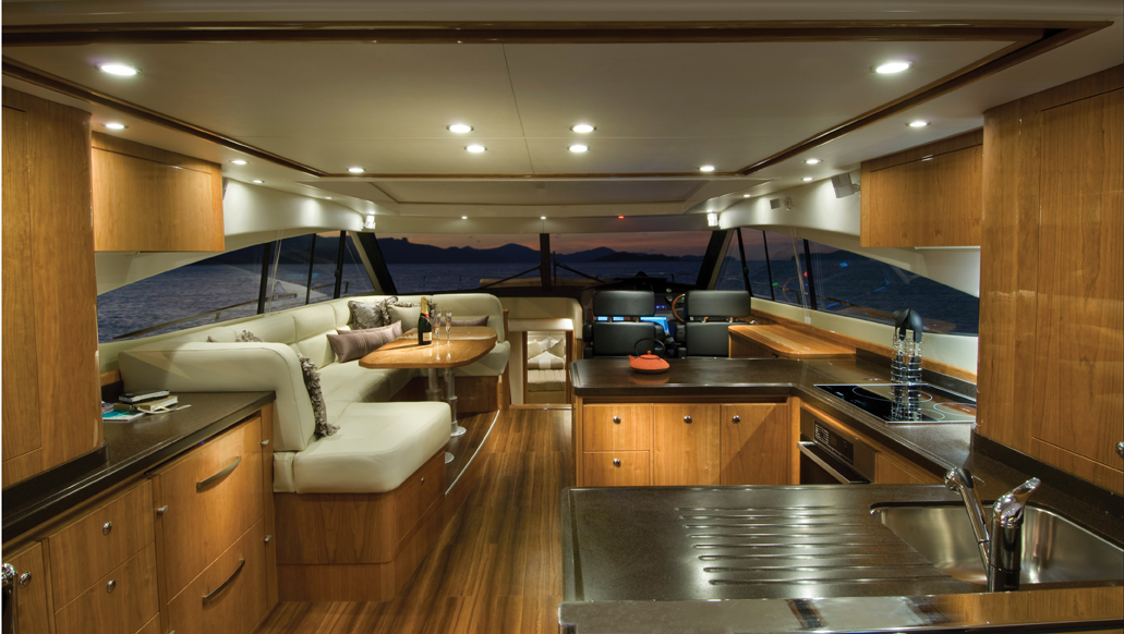 A Relaxing Day On The New Riviera 5800 Sport