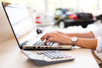 Sie haben Fragen zu diesen Fahrzeug? Nutzen Sie dazu unser Schnellanfrage Formular oder reservieren Sie ihr Wunschfahrzeug kostenlos für 24 Stunden.