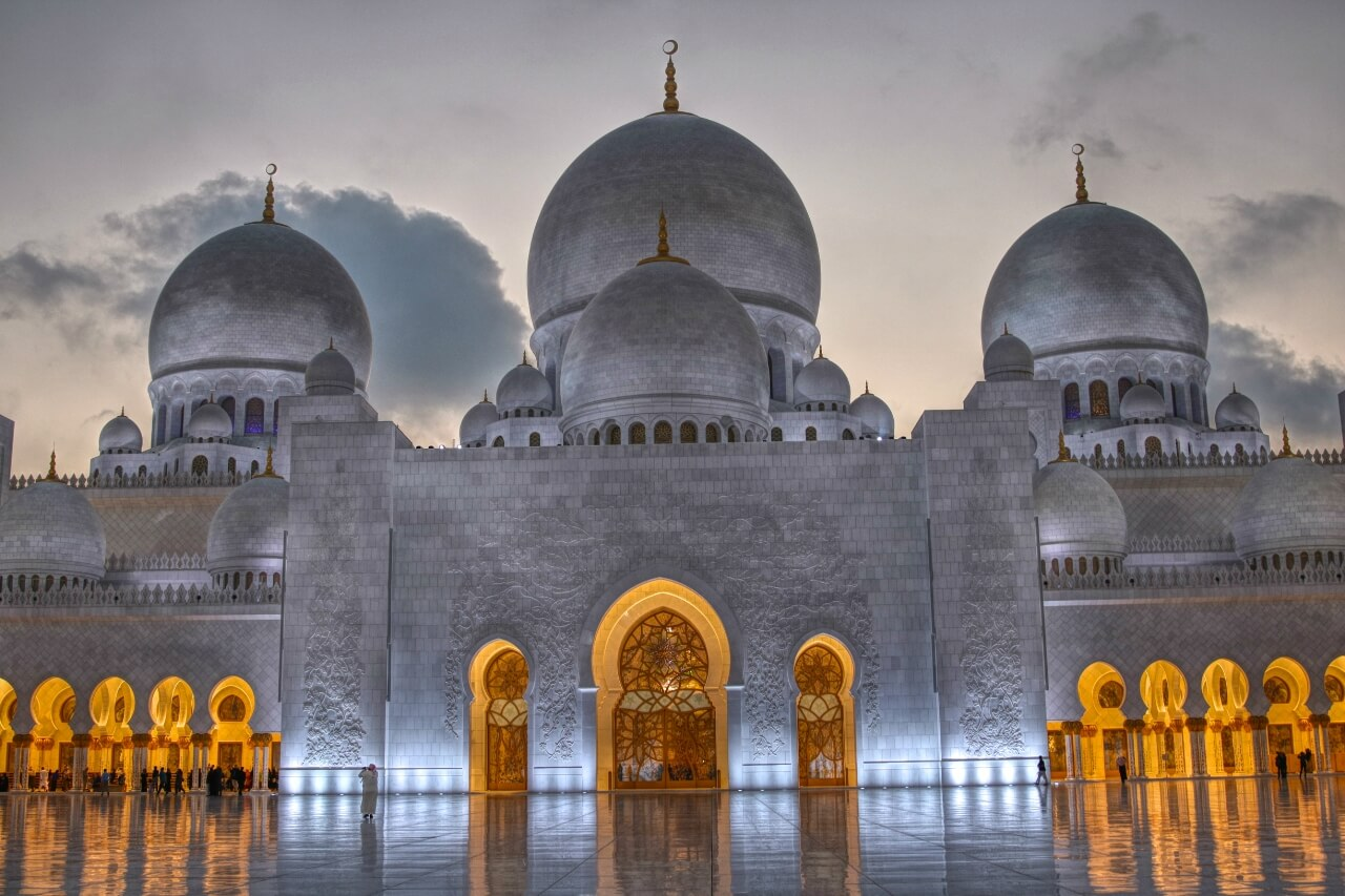 Abu Dhabis Awe Inspiring Sheikh Zayed Grand Mosque