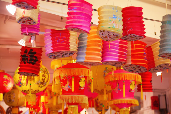 Chinese lamps at the stalls in Stanley Market in Hong Kong