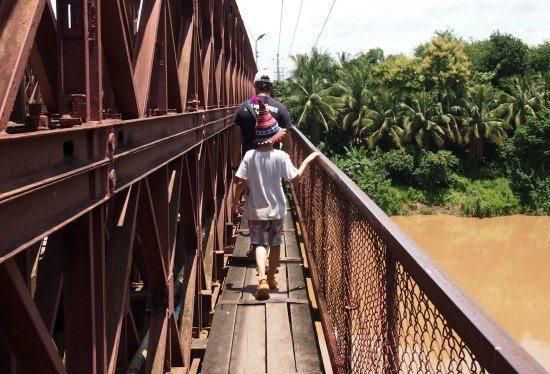 TravelLaos. The old  bridge Luang Prabang