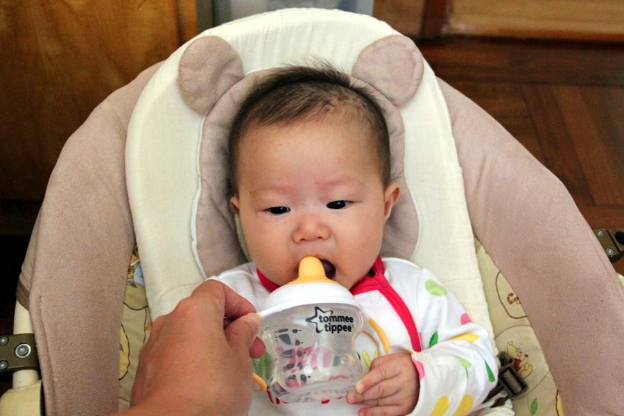 [霖] 踏上餵母乳之路(六) – 四至六個月的堅持期 (厭奶期)   遊上癮 x 霖霖嵐嵐 - 旅遊 x 育兒生活分享