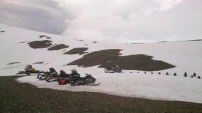 Bereit für die Schneemobil-Tour