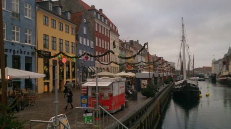 Blick auf den Hafen mit Fischerbooten