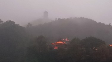 From Dujiangyan park we could see the top of the Qingcheng mountain