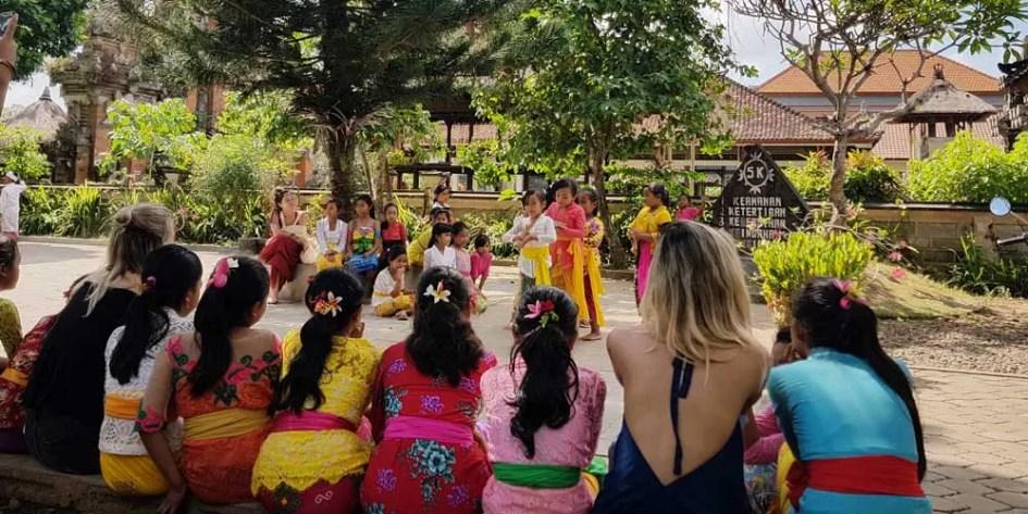 Meet Balinese people