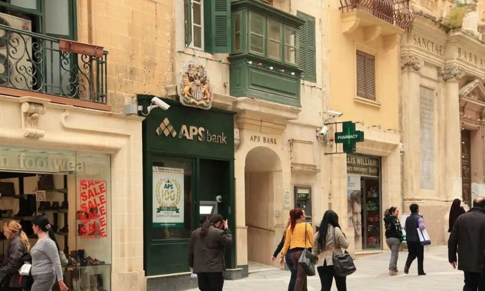 Where to go shopping in Valletta