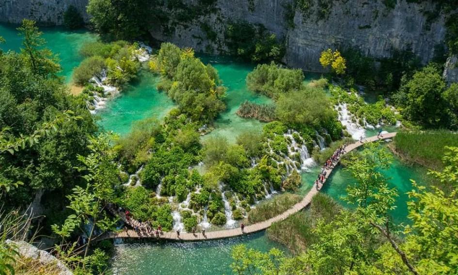 Novalja day trip ideas - Shows Plitvice National Park