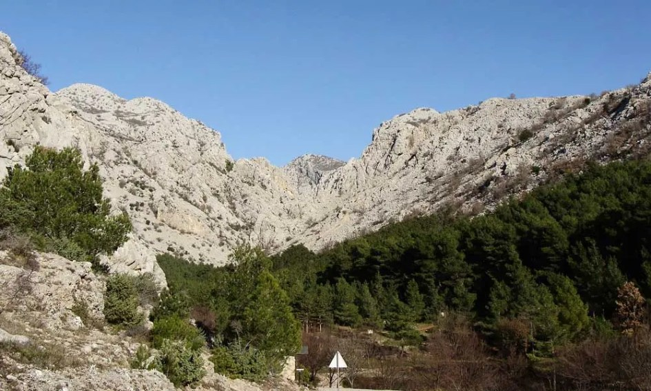 Best Zadar day-trips and Excursions - Shows the mountains at Paklenica National Park