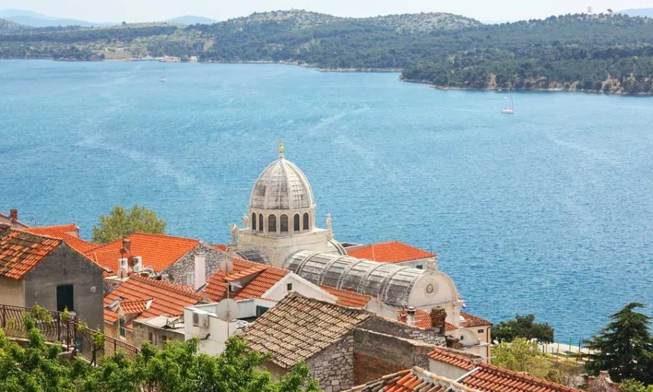 Best Zadar day-trips and Excursions - Shows Sibenik town's coastal view