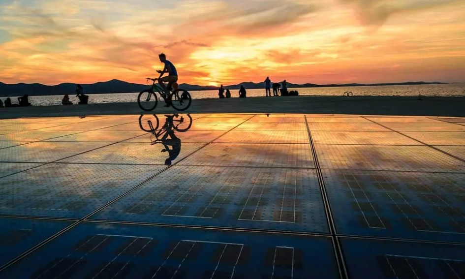 Top things to see in Zadar - shows the Sea Organ at sunset