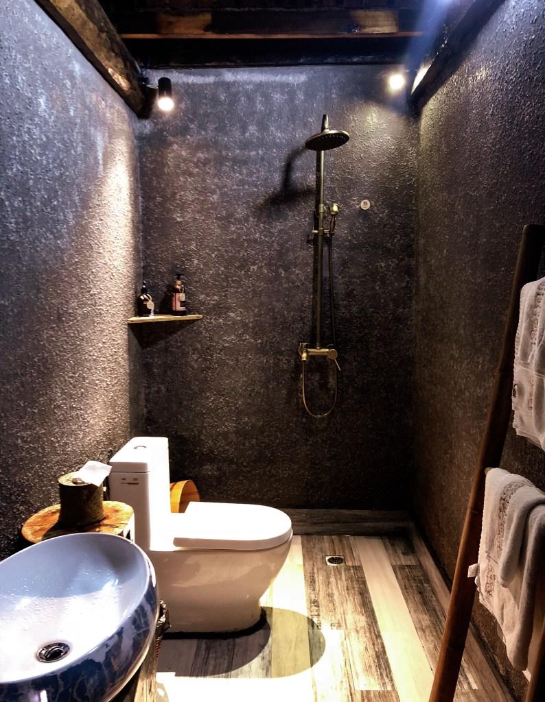 Chinese Hotel Bathroom