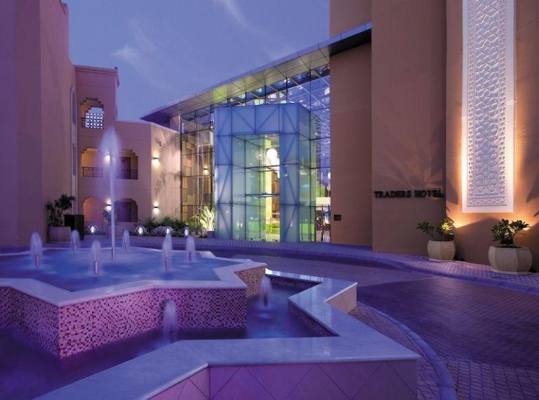 Rondell vor dem Hoteleingang des Traders Qaryat Al Beri