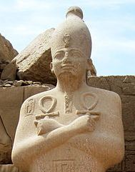 449px-Karnak_Tempel_14-copyright-Olaf-Tausch-1April2009-_crop