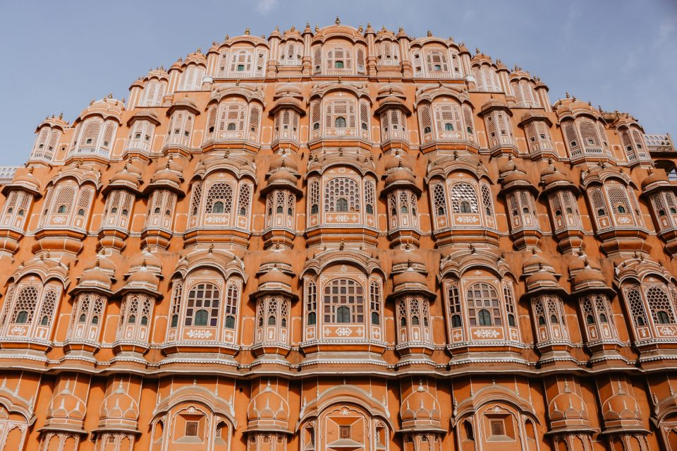 Image of the beautiful Hawa Mahal in Jaipur