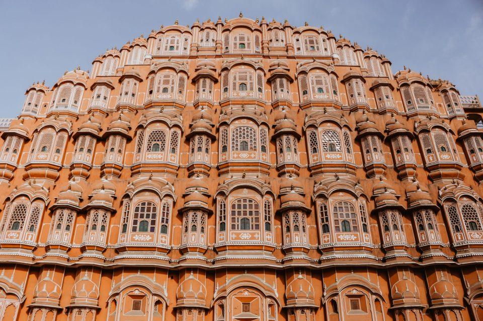 Image of the beautiful Hawa Mahal in Jaipur