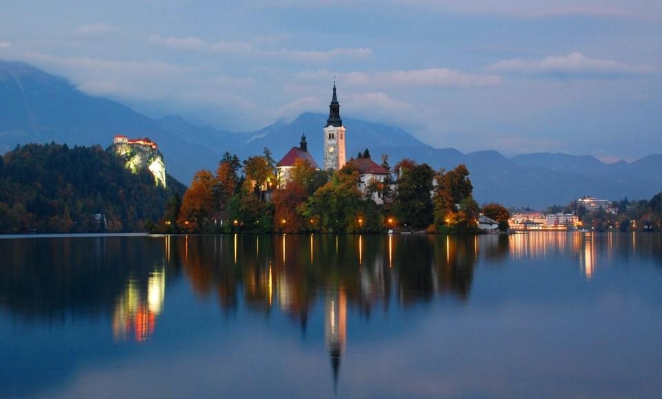 Lake_Bled_At_Twilight,_Oct_2013