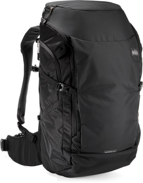 REI RUCKPACK 40 a great travel backpack