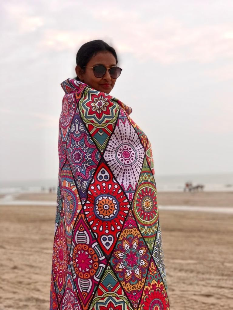Tesalate Beach Towel Review: Best Sand-Free Towel for Beach Lovers 2