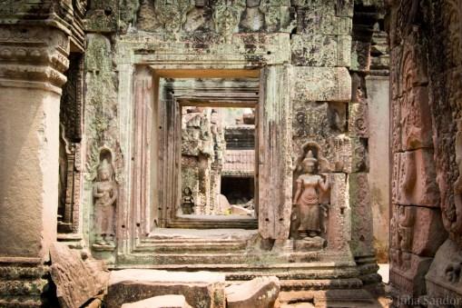 Cambodia_Angkor_2016_Worldviber_43
