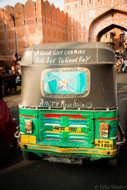 India impressions: Rikshaw at the city gates of Jaipur