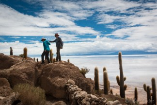 Discovering the Incahuasi Island in the middle of the Salar de Uyuni