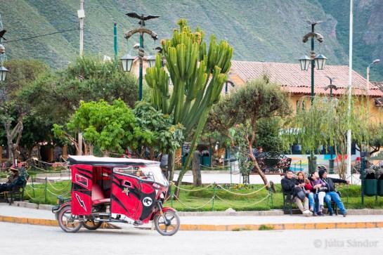 Plaza de Armas, Ollantaytambo