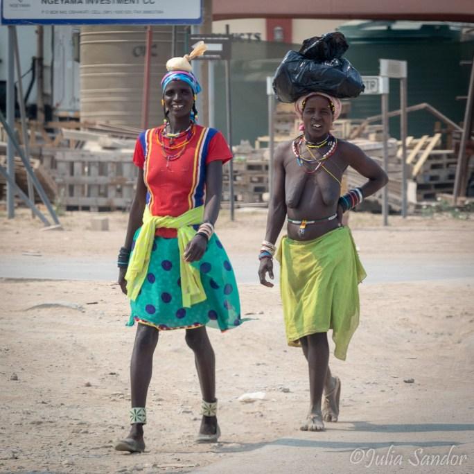 Demba ladies in Opuwo