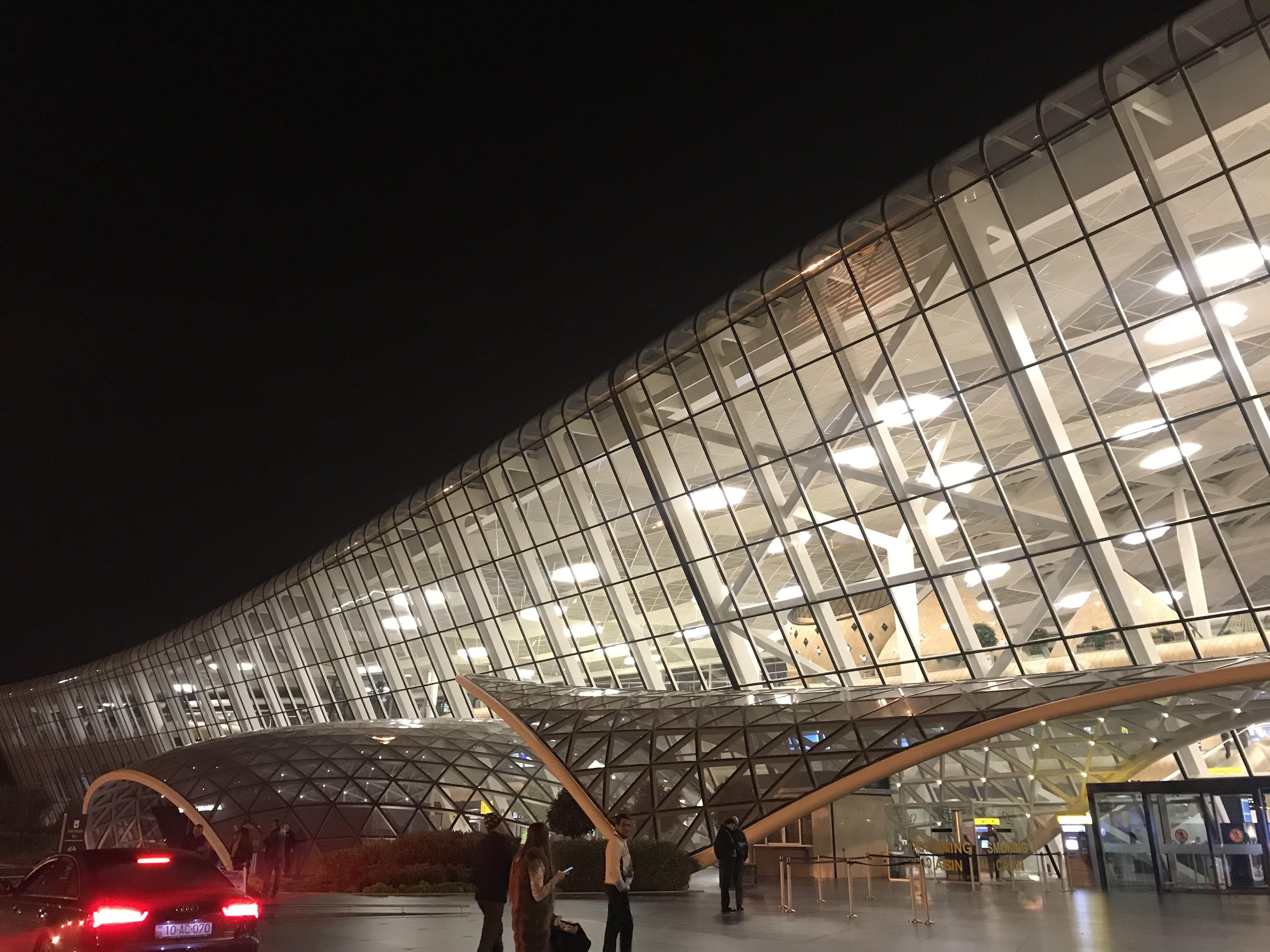 【アゼルバイジャン】日本人だけ無料!アライバルビザとアゼルバイジャン空港⇄バクー中心への行き方
